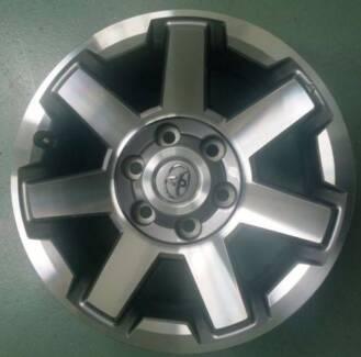 Toyota FJ Cruiser 2015 Alloy wheel Genuine 17inch (17x7.5) - ONE