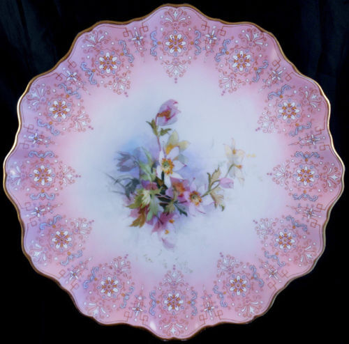 How to Display Royal Worcester Decorative Plates