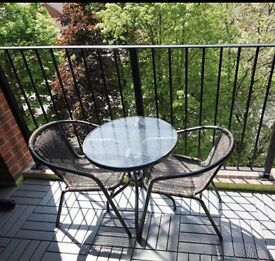 Round glass top Table & 2 chairs