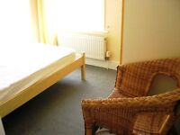 Single room in young Professional houseshare near transport in Central Croydon