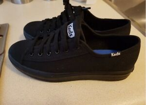 Keds sneakers never worn.