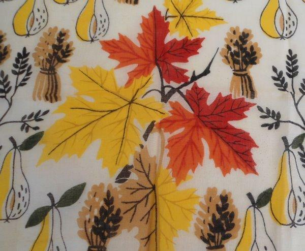 Vintage Mid Century Hanky Retro Autumn Leaves Fruit Black Yellow