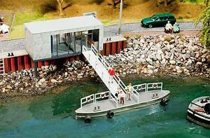 Faller-Boat-Ticketing-Office-and-Pontoon-130512-HO-OO-Scale