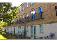 Double Bed room to let in student house