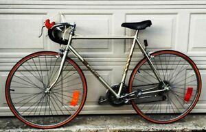 Road Bike. Fleetwing 12 Speed. Excellent Condition