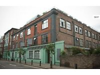 Cute double Room in Warehouse flat with Roof Terrace (FREE RENT till 1st Jan!!)
