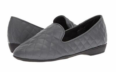 Larry Levine Justina Women's Loafers Shoes Grey size 7.5 (Larry Comfort Shoes)