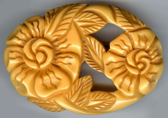 LARGE DEEP CARVED YELLOW CUT OUT BAKELITE FLOWER PIN BROOCH