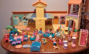 Dora Dollhouse and Figures