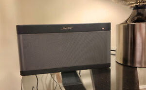 BOSE SOUNDLINK III MINT CONDITION W/ ORIGINAL BOX