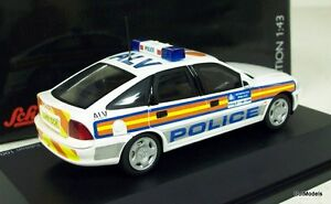SCHUCO 1/43 - 450419100 VAUXHALL VECTRA 1997 METROPOLITAN POLICE DIE-CAST CAR