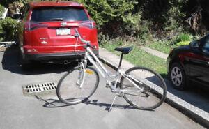 Hybrid Commuting Bike for a tall lady