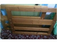 *** CHEAP *** Single Solid Pine Wood BED