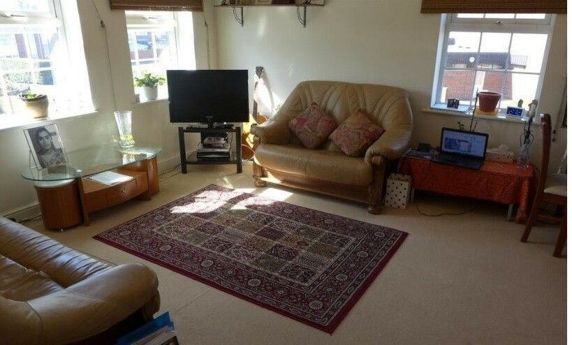2 bedroom freehold maisonette Reduced for Quick Sale