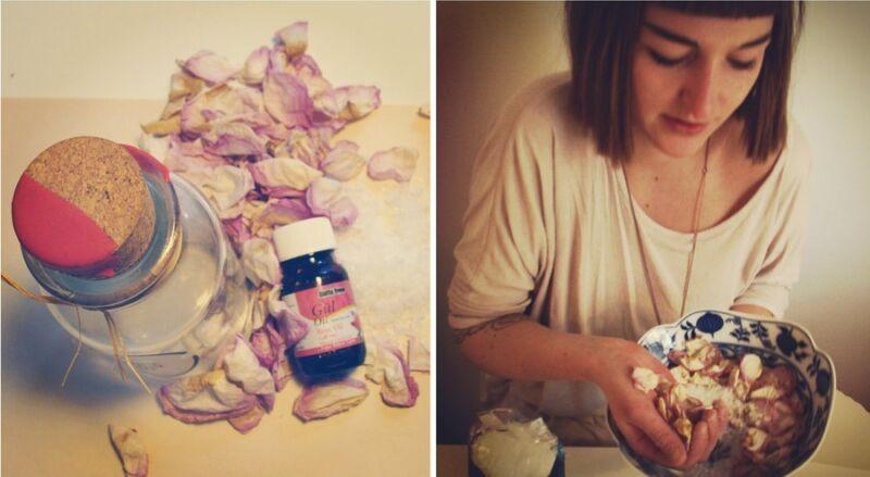 Kati hat die Rosenblüten selbst getrocknet. Wer keine Zeit hat, kauft sie fertig verpackt.  (© solebich.de)