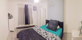 Spacious double bedroom flat for short term let