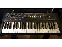 ROLAND RS09 STRING MACHINE SYNTH WITH BOX , ORGAN SOUNDS