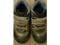 Vertbaudet boys shoes size 24