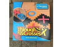 Garden giant noughts and crosses game