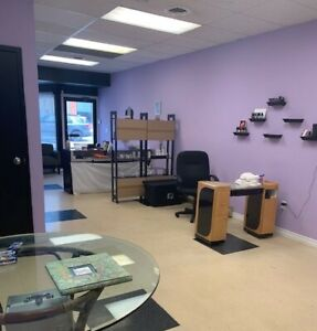 Commercial Space Prime Downtown Location!