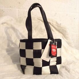 Harvey's Seatbelt Bag Handbag BNWT