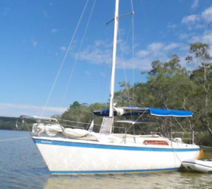 Cole Trailer sailer 19 ft Yacht, with trailer all registered.