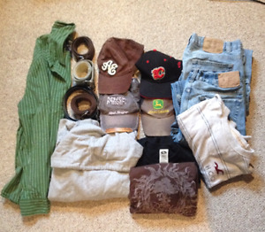 Mixed lot of Men's Clothing -see details