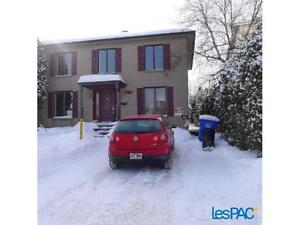 Cozy Bachelor à Louer Brossard! Cozy Bachelor for Rent Brossard!