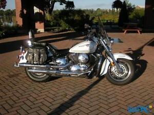 Très belle moto, bien entretenue