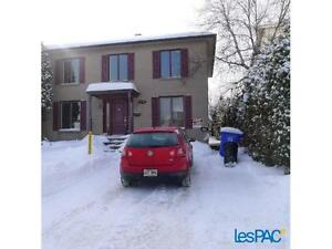 Bachelor à Louer Brossard! Bachelor for Rent Brossard!