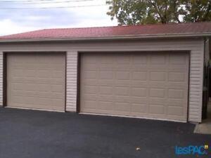 Garage de 600 pi2, 12 pi de hauteur, 3 portes électriques
