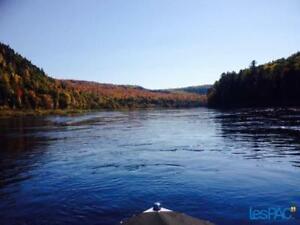 terrain à vendre bord de l'eau rivière St-Maurice