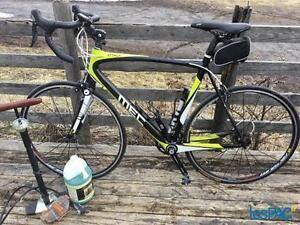 Vélo MEC Attack carbone 58 cm