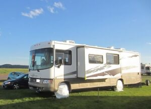 2006 Motor Home Georgetown 35ft.
