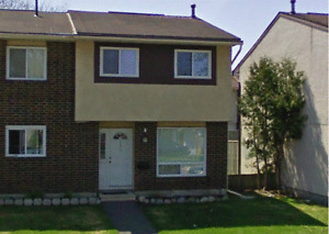 Nice 3 bedroom 1.5 bath townhouse in South Keys - Avail Sept 1