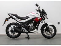 SINNIS RS125. Learner Legal Motorcycle. Commuter.