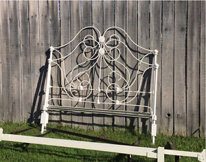 Antique metal bed frame - Double