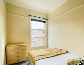 Fully Furnished Double Room in E16