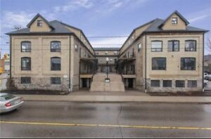 **STEPS TO LAURIER** 4 spacious bedrooms available in condo
