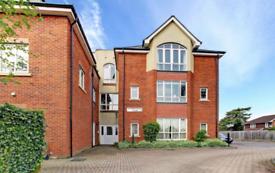 2 bedroom flat in Sempringham Court, Marlborough