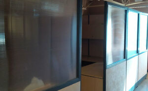 OFFICE CUBICLES FOR SALE. DESK, CABINETS, PANELS. MAKE AN OFFER. Kitchener / Waterloo Kitchener Area image 4