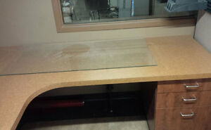 OFFICE CUBICLES FOR SALE. DESK, CABINETS, PANELS. MAKE AN OFFER. Kitchener / Waterloo Kitchener Area image 3