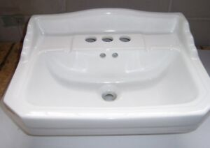 """Foremost Petite Pedestal Lavatory Sink 4"""" Series 1920 in White"""