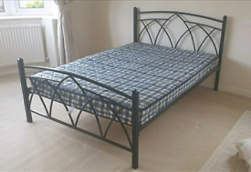 Black metal double bed frame + mattress
