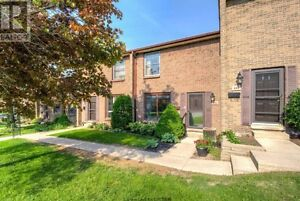 OPEN HOUSE TODAY 2-4PM | 692 Wonderland Rd S
