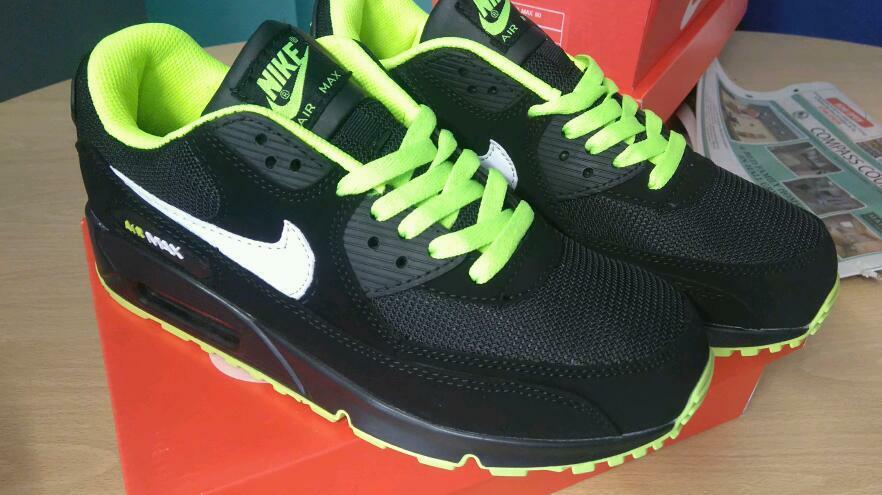 ttmzp Nike air max all different colours | in Stoke-on-Trent