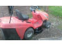 Reduced garden twin cut ride on mower