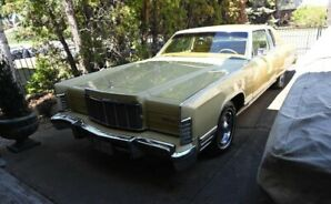 1975 LINCOLN CONTINENTAL TOWN COUPE WITH 17, 256 MILES!