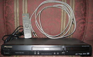 Pioneer DV-353 DVD player with accessories