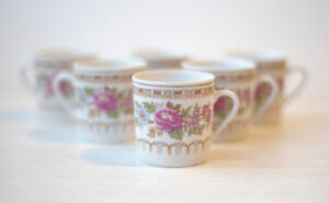 Set of 6 cups for tea or  espresso coffee